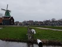 Olanda menține închise...