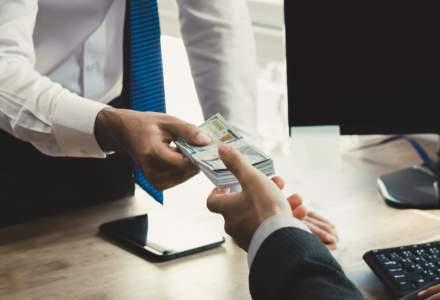 Vrei să te împrumuți? Topul băncilor care oferă cele mai mici dobânzi fixe la un credit de nevoi personale