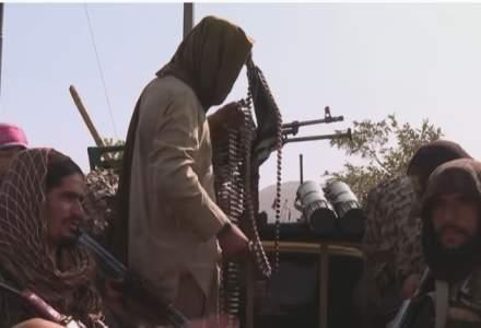 Haosul din Afganistan se vede și din Europa: la ce riscuri suntem expuși după preluarea puterii de către talibani