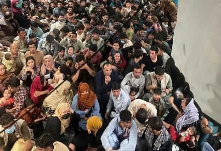 SUA s-au înțeles cu talibanii pentru un coridor de evacuare a celor ce vor să părăsească Afganistanul
