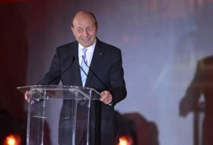 Basescu: Votul din diaspora trebuie prelungit pana la ora 24:00