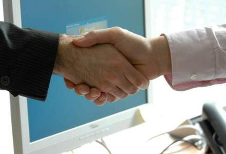 Fuziune Banca Carpatica - Nextebank: actionarii decid in decembrie