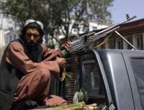 Afganistan: Talibanii invită...