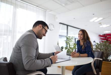 (P) Cum te îmbraci la un interviu? 5 reguli de bază