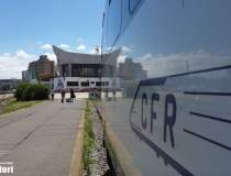 O locomotivă a unui tren de...