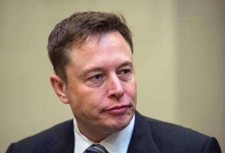 """Elon Musk, nemulțumit de cel mai recent soft de pilot automat Tesla: """"Nu este grozav"""""""