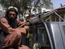 Afganii nu mai pot ieși din...