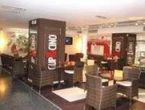 O noua cafenea Cup&Cino in...