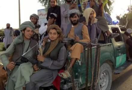 [VIDEO] Marșul victoriei: Talibanii sărbătoresc triumful cu armele americanilor