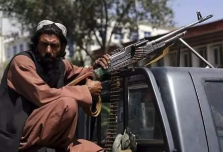 După ce au escortat americani, talibanii promit să garanteze securitatea echipelor umanitare din Afganistan