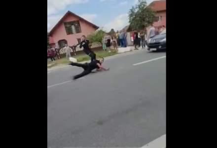 Mai mulți polițiști au fost atacați de un bărbat cu o bâtă. Forțele de ordine se plâng că se întâmplă zilnic