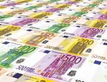 Euro atinge un nou maxim...