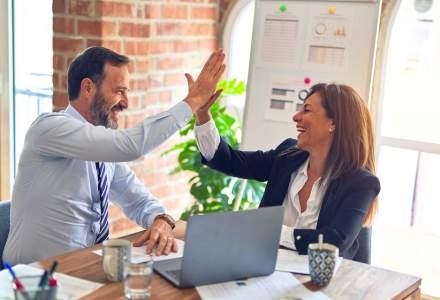 Este o idee bună să fii prieten cu șeful tău? Care sunt granițele corecte pe care trebuie să le trasezi