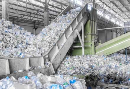 Victorie a ecologiștilor: Producătorii de plastic, de acord să folosească 30% material reciclat în producția de ambalaje