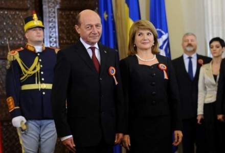 Traian Basescu, ultima receptie la Cotroceni: E ca la autografe la Klaus