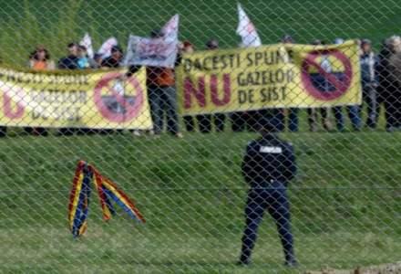 NY Times: Rusii au finantat protestele din Romania impotriva gazelor de sist