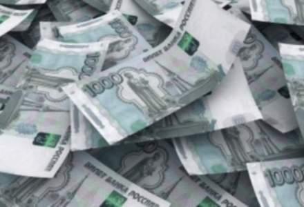 "Rubla a ""inghitit"" saptamana aceasta 2,6 mld. dolari de la Banca Centrala a Rusiei"