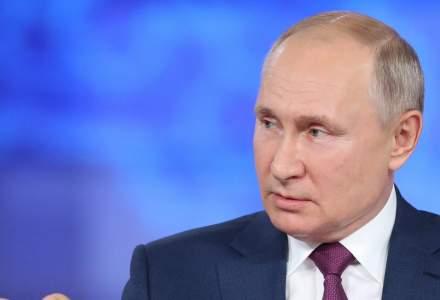 """Mai multe persoane din anturajul lui Vladimir Putin au COVID. """"E vorba de câteva zeci de oameni"""""""