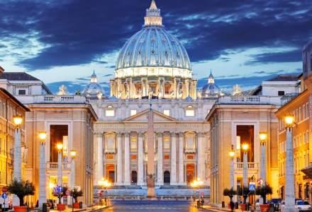 Vaticanul cere certificatul de vaccinare turiștilor, dar NU și participanților la slujbe