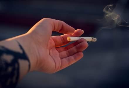 Studiu: Consumatorii români de țigări electronice spun că tușesc mai puțin acum față de atunci când fumau țigări normale