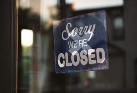 Activităţile economice se vor închide la ora 18:00 în localitățile în care incidența va depăși 4 la mie