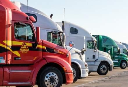 Lanțurile globale de aprovizionare, la un pas de colaps, din cauza crizei șoferilor de tir și de camion. Crăciunul e pus sub semnul întrebării