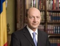 Fanii lui Basescu, in strada...