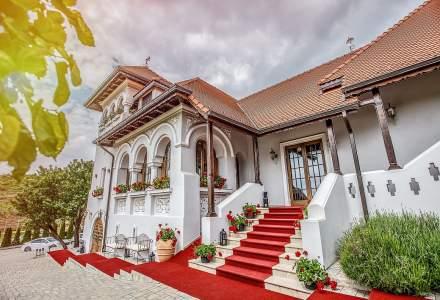 Casa Timiș, conacul în care te simți ca-n Franța sau Italia, la doar o oră de mers cu mașina din București