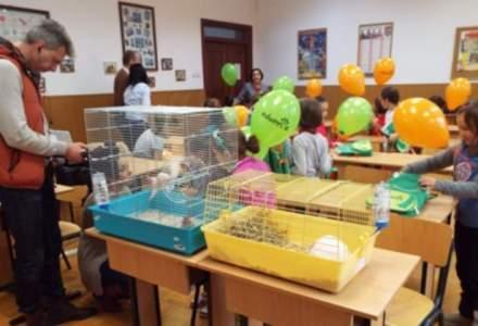 Lectii de ingrijire a animalelor in scoli: Animax a inclus 4.100 de elevi in proiectul educational Edumax
