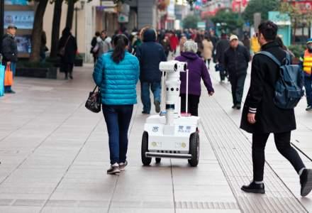 Ce țară testează roboți care să patruleze străzile pentru a supraveghea comportamentul social