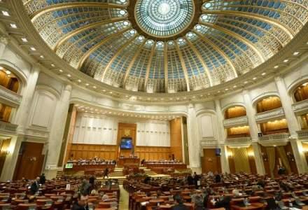 PNL contesta la CC legea bugetului. Ponta: Vor amana majorarea pensiilor