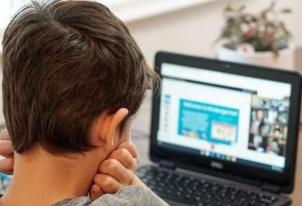 DSP cere școlilor din Ilfov să treacă la online