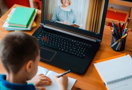 Ce poți face dacă trebuie să stai acasă cu copiii din cauza școlii online pentru a primi ajutor de la stat