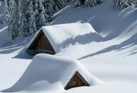 Avertisment MAI: 20 de localitati din 12 judete sunt afectate de ninsoare si viscol