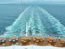 Nava din largul Greciei cu...