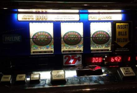 """Industria jocurilor de noroc, capusata de Guvern in 2015: taxele de licenta cresc si apare """"taxa pe viciu"""""""