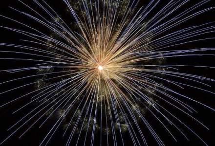 Revelion in Capitala - Concerte in aer liber si petreceri cu staif la Parlament sau la Opera