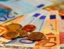 Rezervele valutare au scazut...