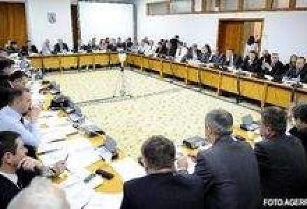 O noapte furtunoasa: Bugetul pe 2010, adoptat de comisiile de finante