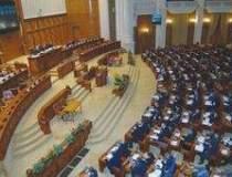 Parlamentarii au votat toate...