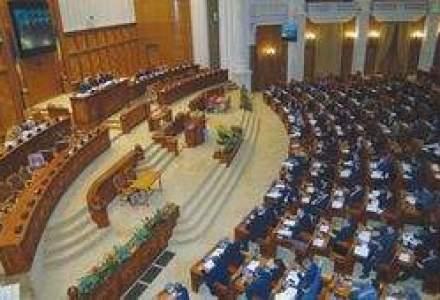 Parlamentarii au votat toate articolele proiectului de buget. Urmeaza anexele pe ministere