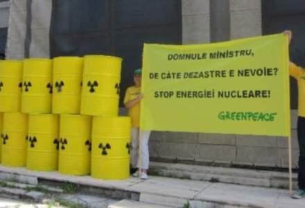 """Greenpeace in Romania: planul organizatiei pentru independenta energetica si povestile """"bombelor"""" de mediu pe cale sa explodeze"""