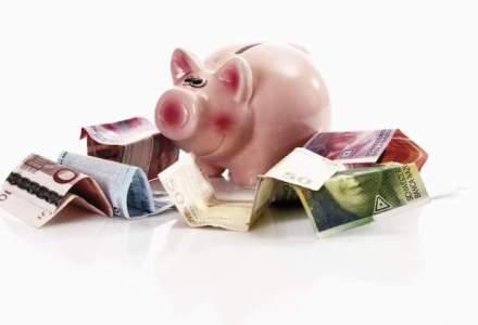 Francul elvetian creste la un nou maxim, dar euro da inapoi la cursul oficial