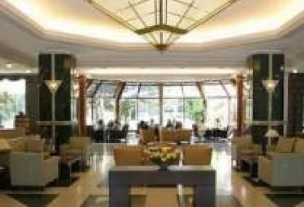 Vezi cum e sa locuiesti intr-un hotel de 5*: CFO-ul Dacia a raspuns pentru WS