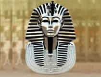 Cairo: Masca funerara din aur...