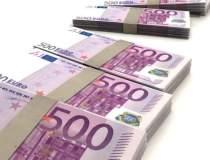 Euro a coborat luni sub 4,48 lei
