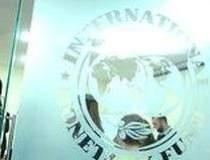 FMI estimeaza un avans al...