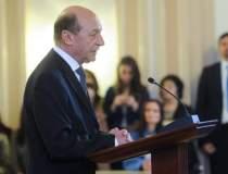 Basescu se erijeaza in...