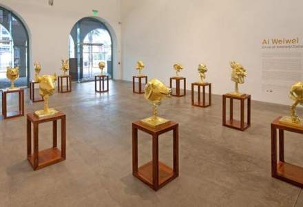 Sculpturi placate cu aur, vandute pentru pretul record de 4,3 MIL. dolari