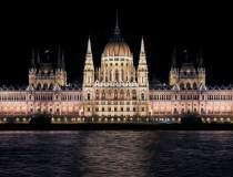Ungaria amana semnarea unui...